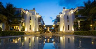 Champa Island Nha Trang Resort Hotel & Spa - Nha Trang - Building