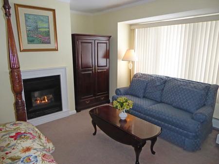 Birch Ridge Inn - Killington - Living room