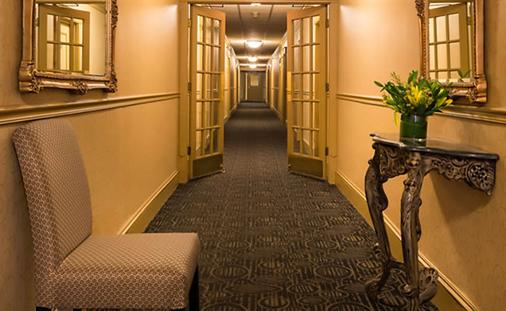 The Willows Hotel - Chicago - Hallway