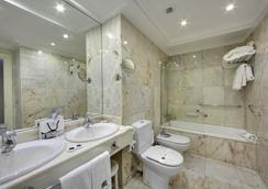 Hotel de Londres y de Inglaterra - San Sebastian - Bathroom