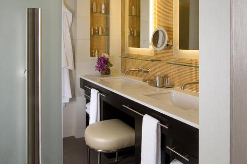 Hotel Breakwater South Beach - Miami Beach - Bathroom