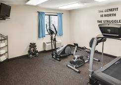 Super 8 Manhattan KS - Manhattan - Gym