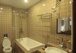 Hotel Citadel Narikala - Tbilisi - Bathroom