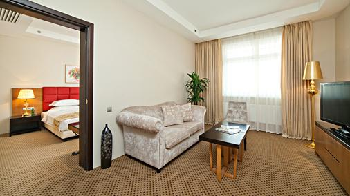 Alliance Greenwood Hotel - Moscow - Living room