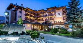 Adler Hotel Wellness & Spa - Andalo - Building