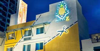 Staypineapple at Hotel Z - San Diego - Building