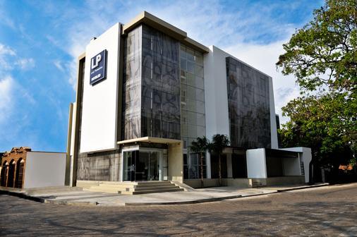 Hotel LP Santa Cruz - Santa Cruz de la Sierra - Building