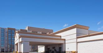 Red Lion Hotel & Conference Cheyenne - Cheyenne - Building