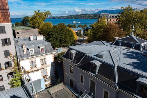 Geneva Hostel - Geneva - Balcony