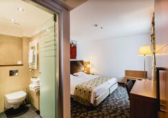 Hotel Museum Budapest - Budapest - Bedroom