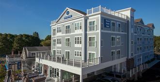 Hyannis Harbor Hotel - Hyannis - Building