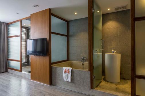 G Mekong Hotel - Phnom Penh - Bathroom