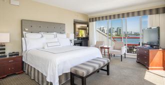 Granville Island Hotel - Vancouver - Bedroom