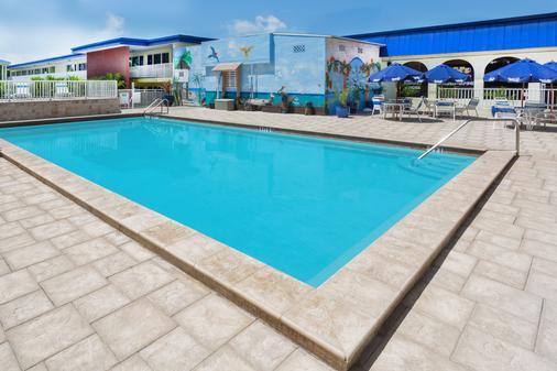 Days Inn Fort Myers Springs Resort - Fort Myers - Pool