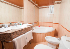 Santa Monica Playa - Salou - Bathroom