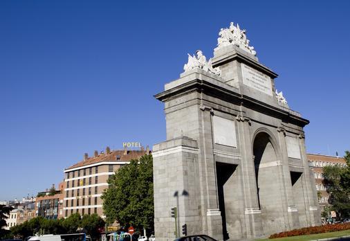 Hotel Puerta de Toledo - Madrid