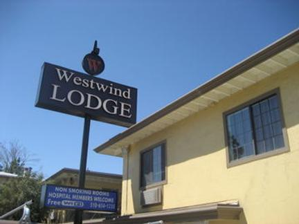 Westwind Lodge - Oakland - Outdoor view