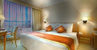 Golden Crown China Hotel - Macau - Bedroom