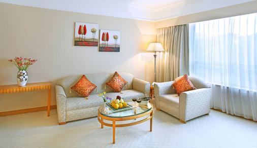 Golden Crown China Hotel - Macau - Living room