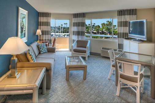 Bay Club Hotel & Marina - San Diego - Living room