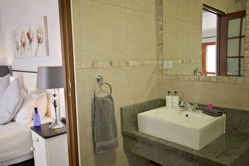 Bayside Guest House - Port Elizabeth - Bathroom