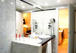 Hotel Rekord - Barcelona - Bathroom