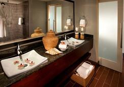 Beach Terrace Inn - Carlsbad - Bathroom