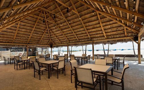 Postcard Inn on the Beach - Saint Pete Beach - Patio