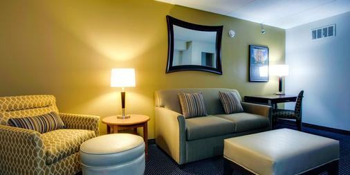 The Inn at Saint Mary's - South Bend - Living room
