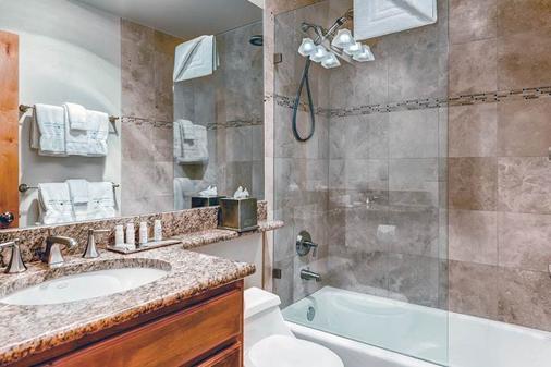 Lion Square Lodge - Vail - Bathroom