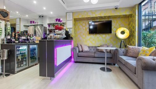 Tulip Boutique Hotel - London - Shop