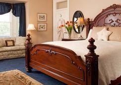 Swann House - Washington - Bedroom