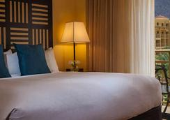 Renaissance Palm Springs Hotel - Palm Springs - Bedroom