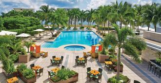 Four Seasons Hotel Miami - Miami - Pool