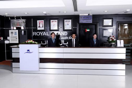Royal Grand Suite Hotel - Sharjah - Front desk