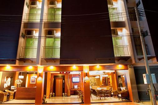 Deva Suites Patong - Patong - Building