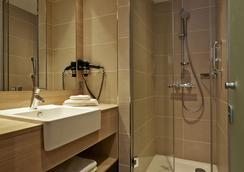 H2 Hotel München Messe - Munich - Bathroom