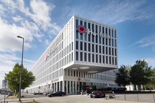 H4 München Messe - Munich - Building