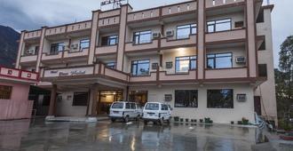Hotel Devi Mahal - Katra - Building