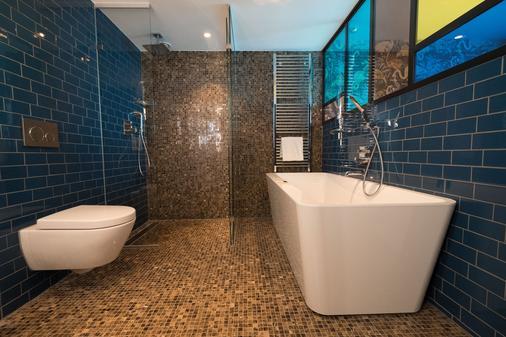 The Apollo Hotel Amsterdam, A Tribute Portfolio Hotel - Amsterdam - Bathroom