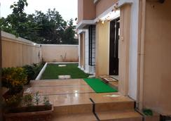 Dove Aparments - Pune - Outdoor view