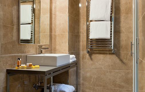 Hotel Mozart - Milan - Bathroom
