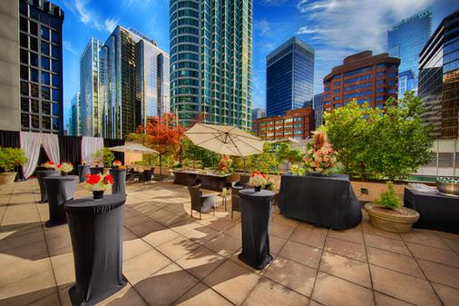 Pinnacle Hotel Harbourfront - Vancouver - Patio