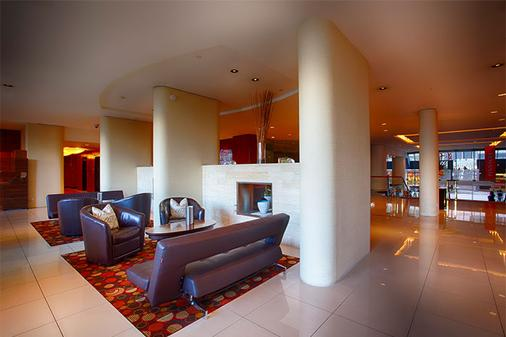 Pinnacle Hotel Harbourfront - Vancouver - Lobby