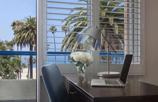 Ocean View Hotel - Santa Monica - Room amenity
