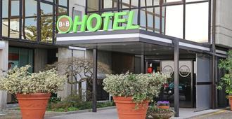 B&B Hotel Udine - Udine - Building