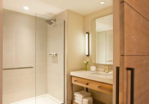 Hotel Commonwealth - Boston - Bathroom