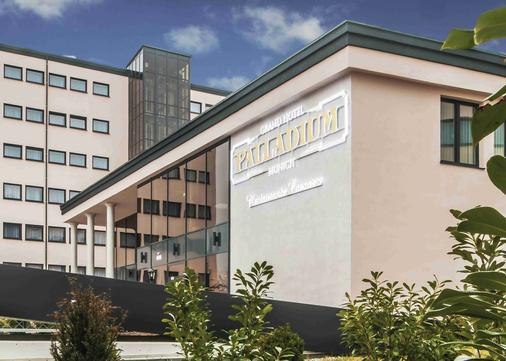 Grand Hotel Palladium Munich - Munich - Building