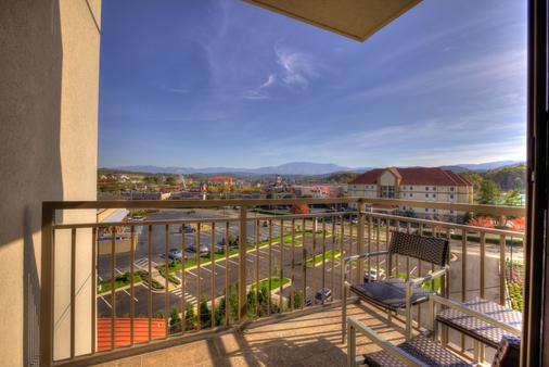Courtyard by Marriott Pigeon Forge - Pigeon Forge - Balcony