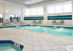 Residence Inn by Marriott Portland Downtown Waterfront - Portland - Pool